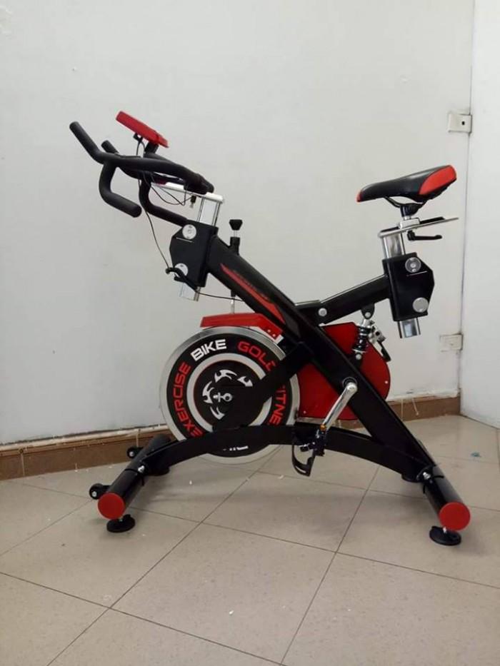 Xe đạp tập thể dục được tích hợp thêm màn hình hiển thị đa năng dùng hiể...