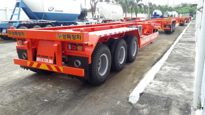 Sơ mi rơ moóc sàn 3 trục dài 12.4m chở Container Doosung, tải trọng cao, chất lượng đảm bảo