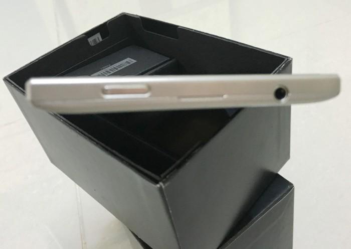 Cần bán BlackBerry PassPort Silver Edition6