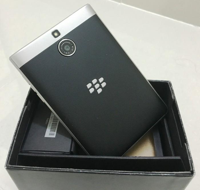 Cần bán BlackBerry PassPort Silver Edition7