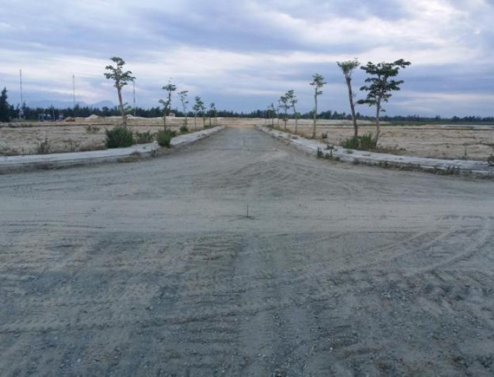 Lô C4. Diện tích 90m2 ( 4.5m x 20m) Khu An Phú Quý