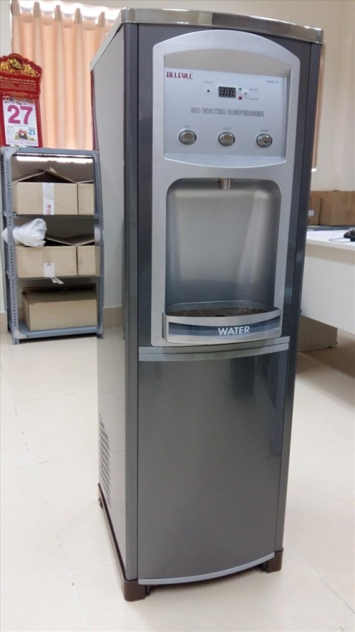 Máy lọc nước nóng lạnh Model E2 cho 300 người uống, công suất 40 lít/giờ xuất xứ Thái Lan là dòng lọc nước có 2 mức nhiệt độ công suất vượt trội dùng cho thương mại như nhà máy sản xuất, nhà hàng, khách sạn...