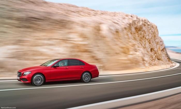 Mercedes-Benz E300 sản xuất năm 2016 Số tự động Động cơ Xăng