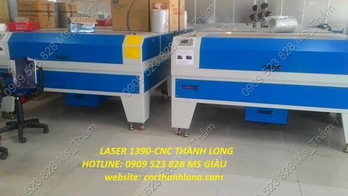 Máy Laser cắt vải có đầu cuộn tự động, gia công cắt khắc hoa văn trên vải