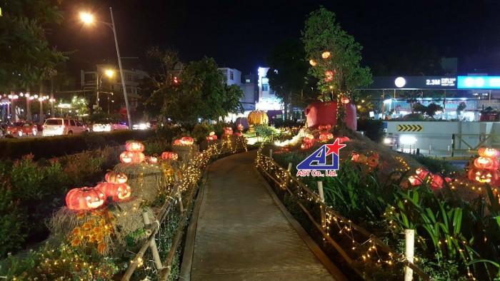 Con đường bí đao Halloween - Trang trí Halloween Aeon Mall Bình Tân
