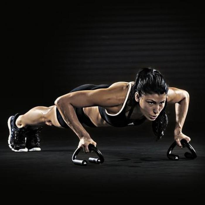 Hít đất thường xuyên với dụng cụ chống đẩy (hít đất) Thanh Xuân sẽ cho bạn một thân hình đẹp mà quan trọng hơn là một sức khỏe dẻo dai.