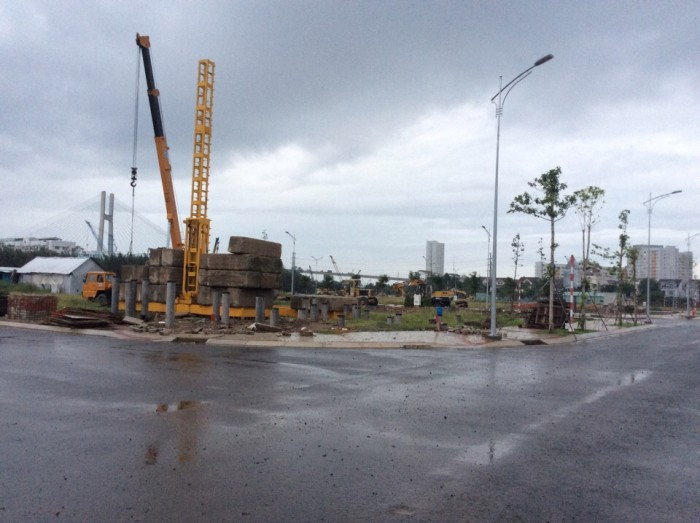 Bán nhà phố biệt thự mặt tiền đường Bùi Văn Ba quận 7, 2 mặt giáp sông
