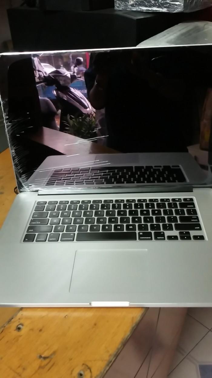 Macbook Pro Retina | cổng giao tiếp USB; bluetooth; bộ đọc thẻ nhớ