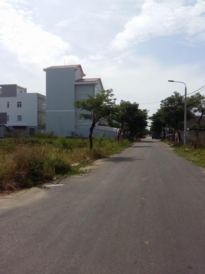 Bán 2 lô liền kề đất B1.12 khu sinh thái Hòa Xuân
