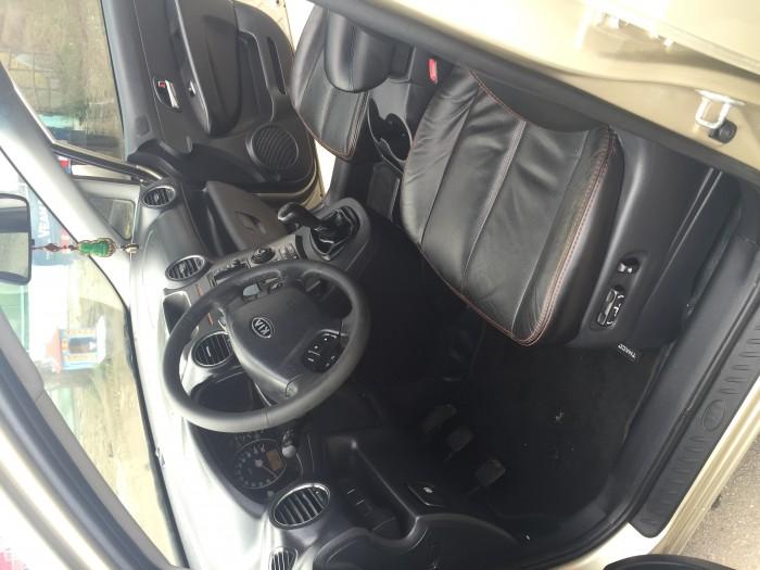 Cần bán Kia Caren 2.0 sx 2013 màu bạc 4
