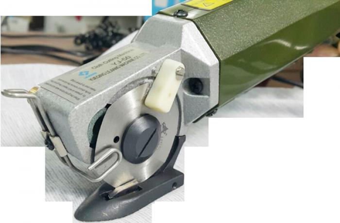 Máy cắt vải cầm tay YJ-501