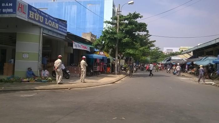 Bán nhà cấp 4 đường Nguyễn Văn Huyên, đối diện chợ Cẩm Lệ, DT 200m2