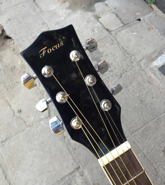 Đàn ghita đệm hát Acoustic Forcus Fs40 đen khuyết