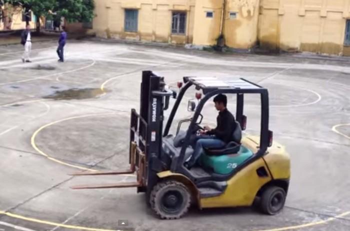 Đào tạo lái xe nâng – cấp chứng chỉ tn