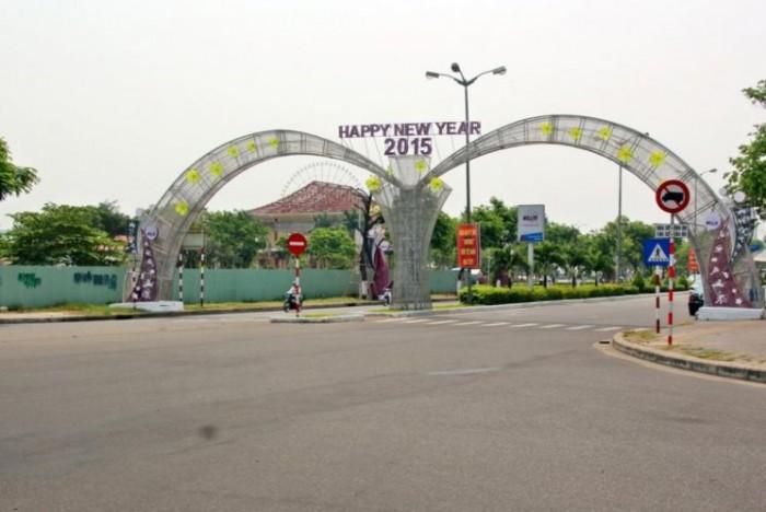 Bán đất mặt tiền đường 2 Tháng 9, gần đối diện đường vào công viên Châu Á