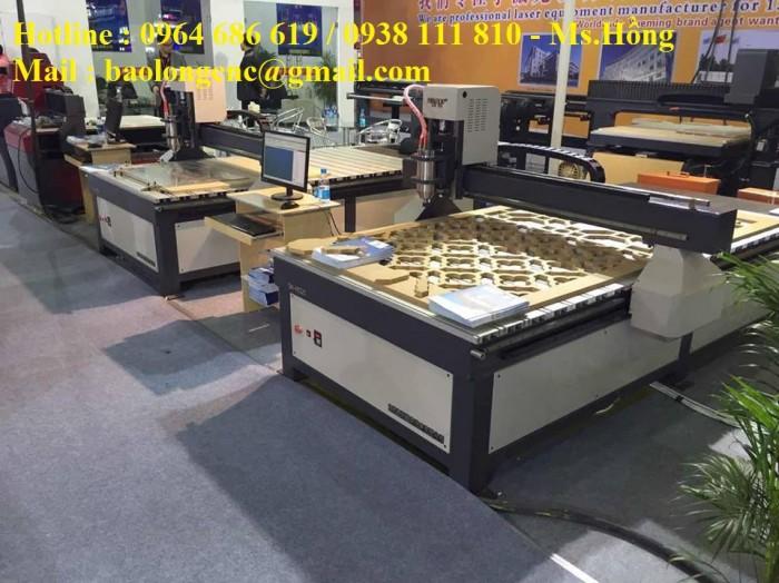 Máy cnc 1 đầu đục vách ngăn, máy cnc cắt quảng cáo 1325 nhập khẩu