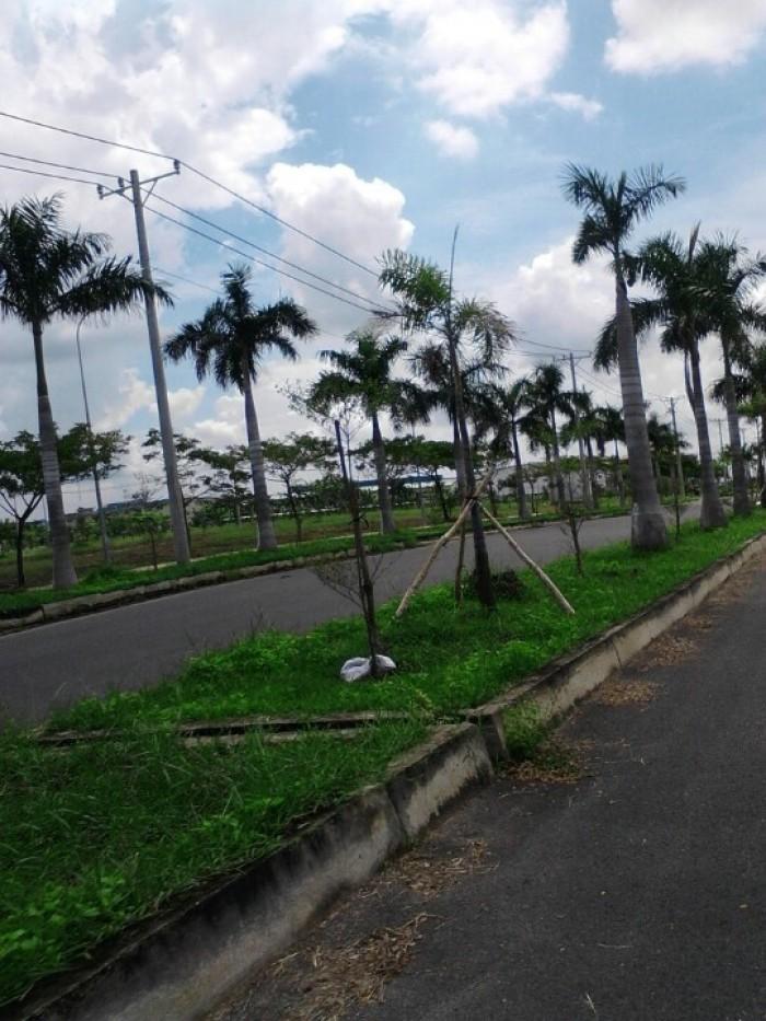 Cần bán lô đất ngay mặt tiền đường 120m, đối diện khu công nghiệp, gần trường đua đạt chuẩn quốc tế