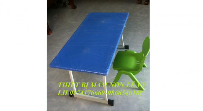 Kích thước SP: 90x48x45cm, 90x48x48cm, 90x48x50cm Chất liệu: Mặt nhựa composite, chân sắt sơn tĩnh điện Màu xanh dương0