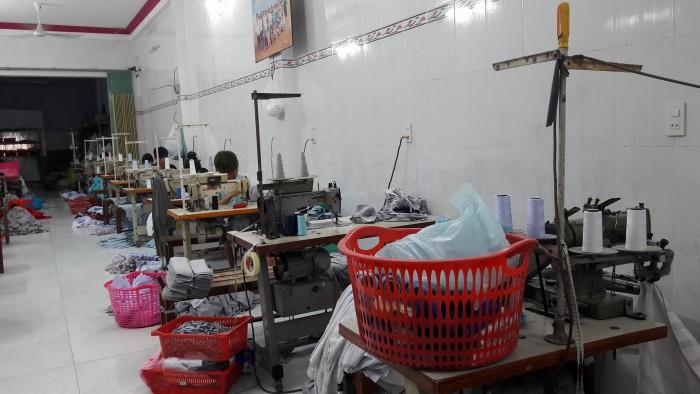 Chuyền may theo công đoạn tại Xưởng may gia công Trang Trần / Xưởng mayáo thun với chất liệu tốt, chất lượng được chọn lựa từ nguồn uy tín.
