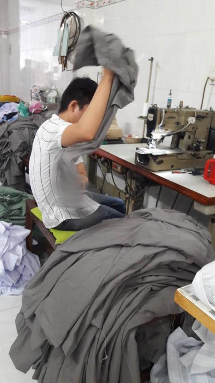 Xưởng may áo thun quy mô lớn, đáp ứng kịp thời mọi số lượng mà khách đặt | Gọi (08) 73 000 112 - 0989 691 693 - (08) 3853 2975 để được báo giá tốt nhất nhé!
