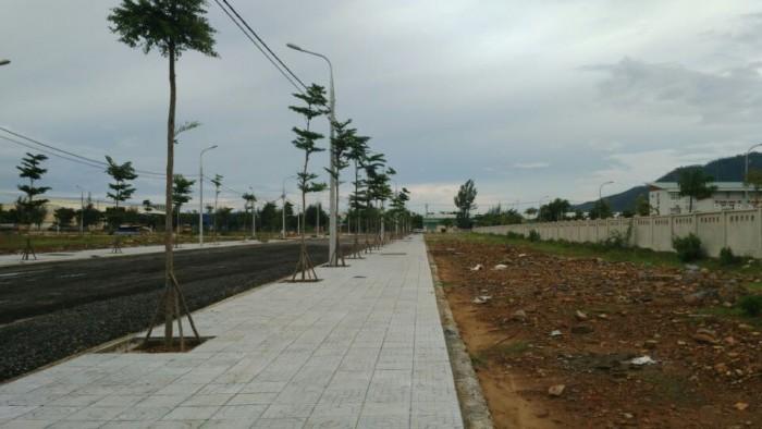 Lô đất Đường số 5 ,khu công nghiệp Hòa Khánh: Sổ đỏ - 4 triệu/m