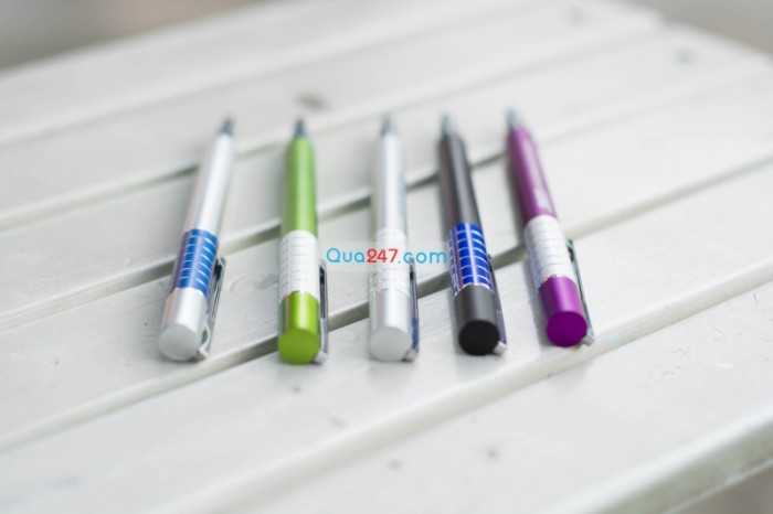 Bút bi 09 in logo công ty Bút bi phiên bản bút kim loại số lượng lớn giá cực mềm