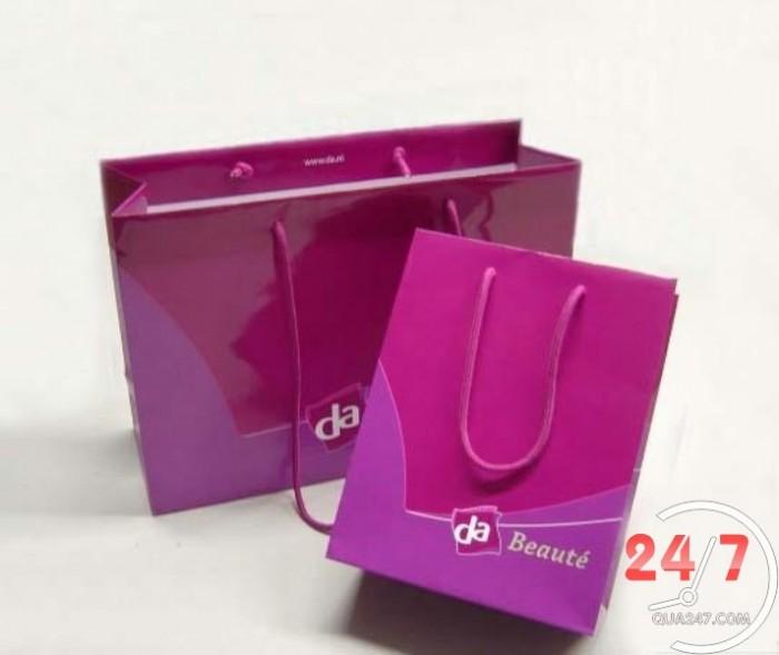 Chuyên cung cấp số lượng lớn các loại túi giấy in logo giá cạnh tranh nhất thị trường