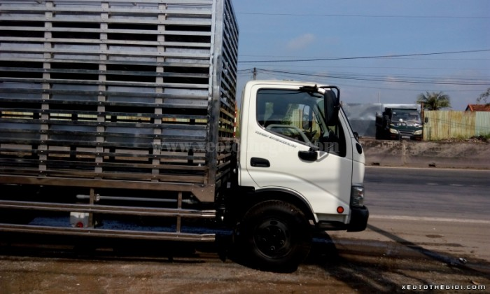 Hino Dutro 300 (LDT) sản xuất năm 2016 Số tay (số sàn) Xe tải động cơ Dầu diesel