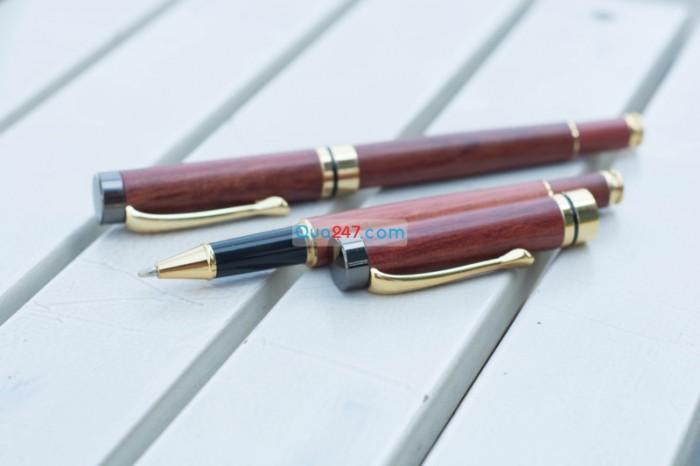 Bút gỗ 18 khắc tên, quà tặng sếp, sang trọng và đẳng cấp, màu cánh gián lạ mắt