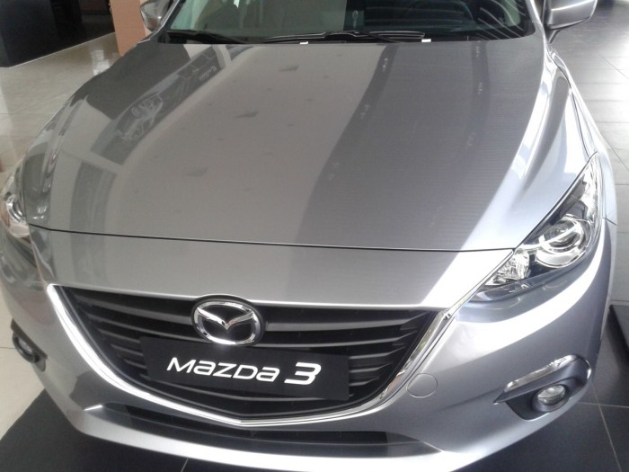 Mazda 3 1.5 AT đủ màu giá 660  triệu đồng