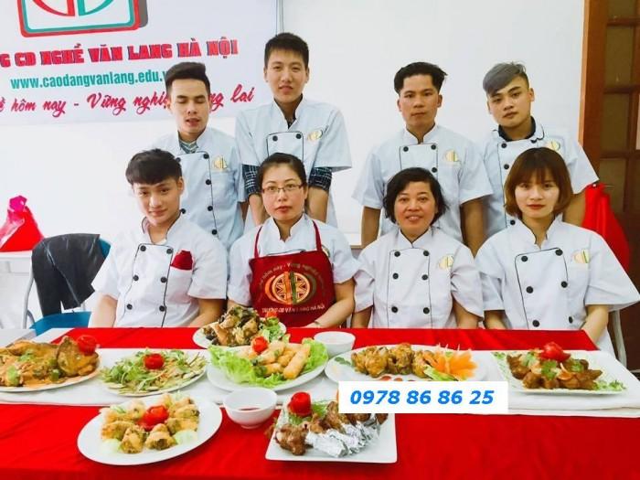 CĐN Văn Lang: Tuyển sinh các khóa học Làm bánh cơ bản, bánh kem, bánh gato tại Hà Nội