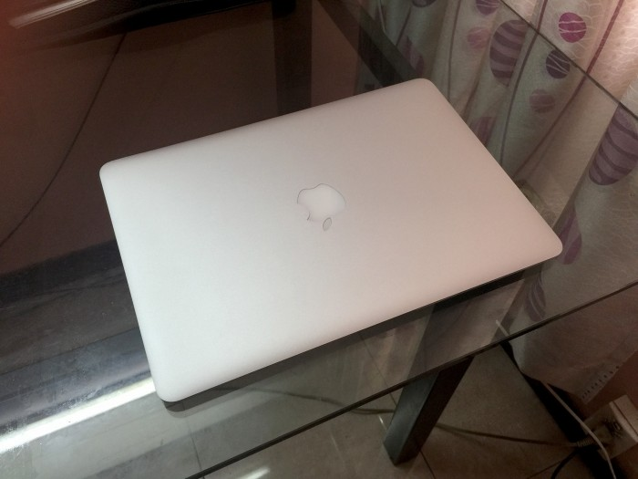 Macbook Air MD761B 2014 i5 4GB / SSD 256GB - 99%