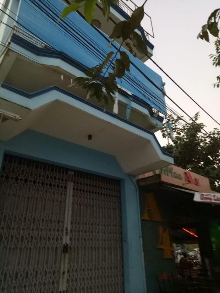 Cần bán căn nhà 2 mê mặt tiền đường cách mạng tháng 8.