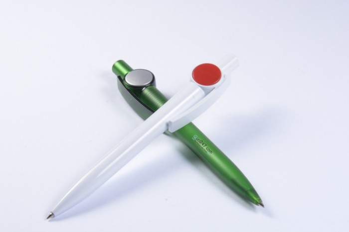 Bút bi 19 kiểu dáng độc đáo và lạ mắt in logo công ty số lượng lớn giá cực tốt
