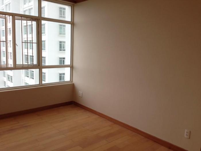 Bán căn hộ cao cấp Phú Hoàng Anh, 129m2 nhà mới 100%, view hồ bơi, căn góc, đã có sổ hồng
