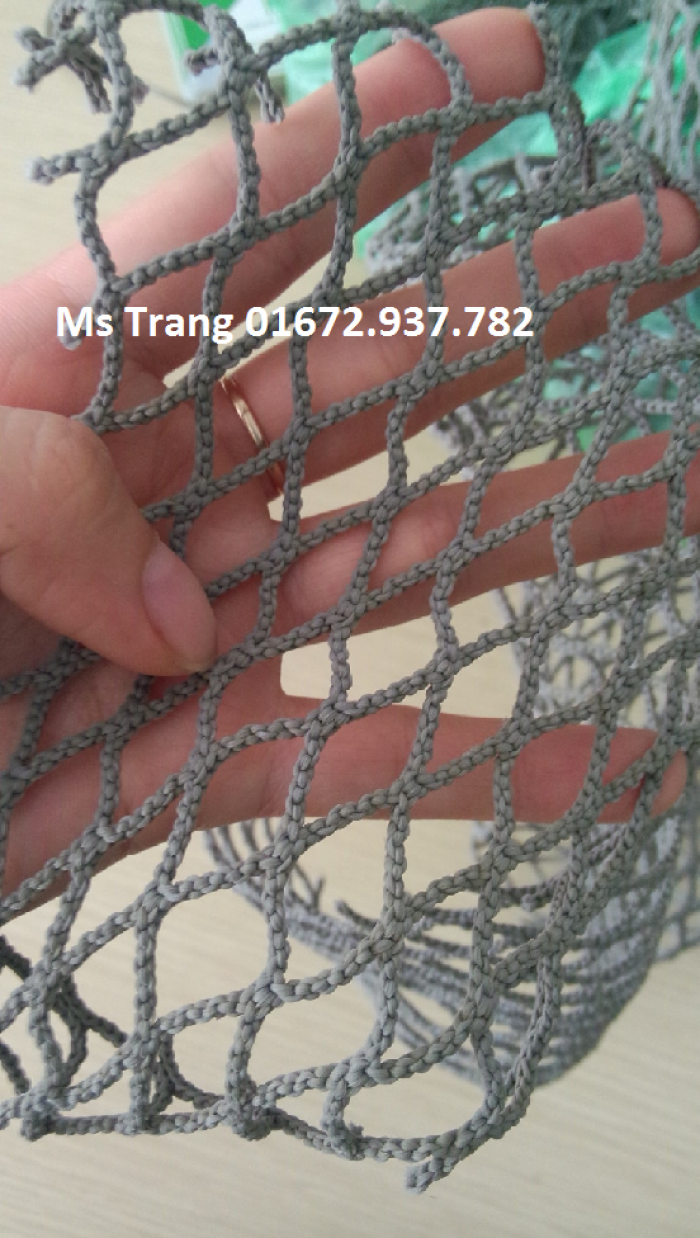 Lưới an toàn cũ đã qua sử dụng, lưới bền nhiều năm mắt 1cm, lưới dùng trang trí shop