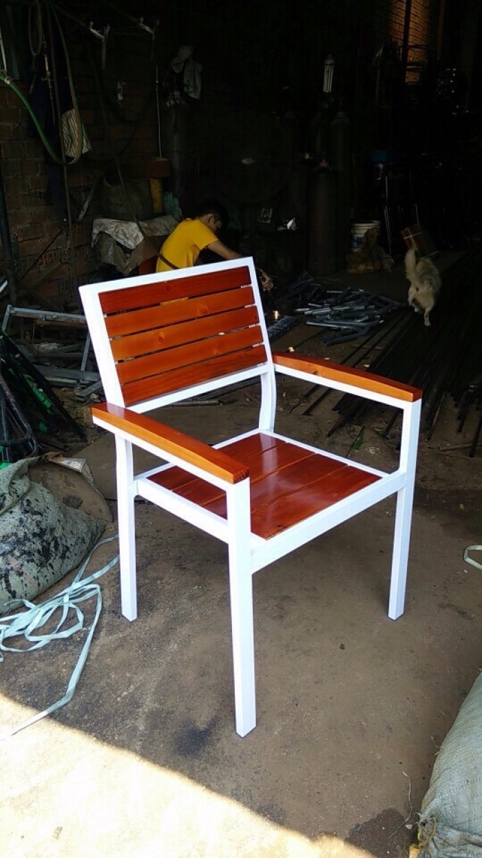 Ghế cafe sắt gỗ giá rẻ2
