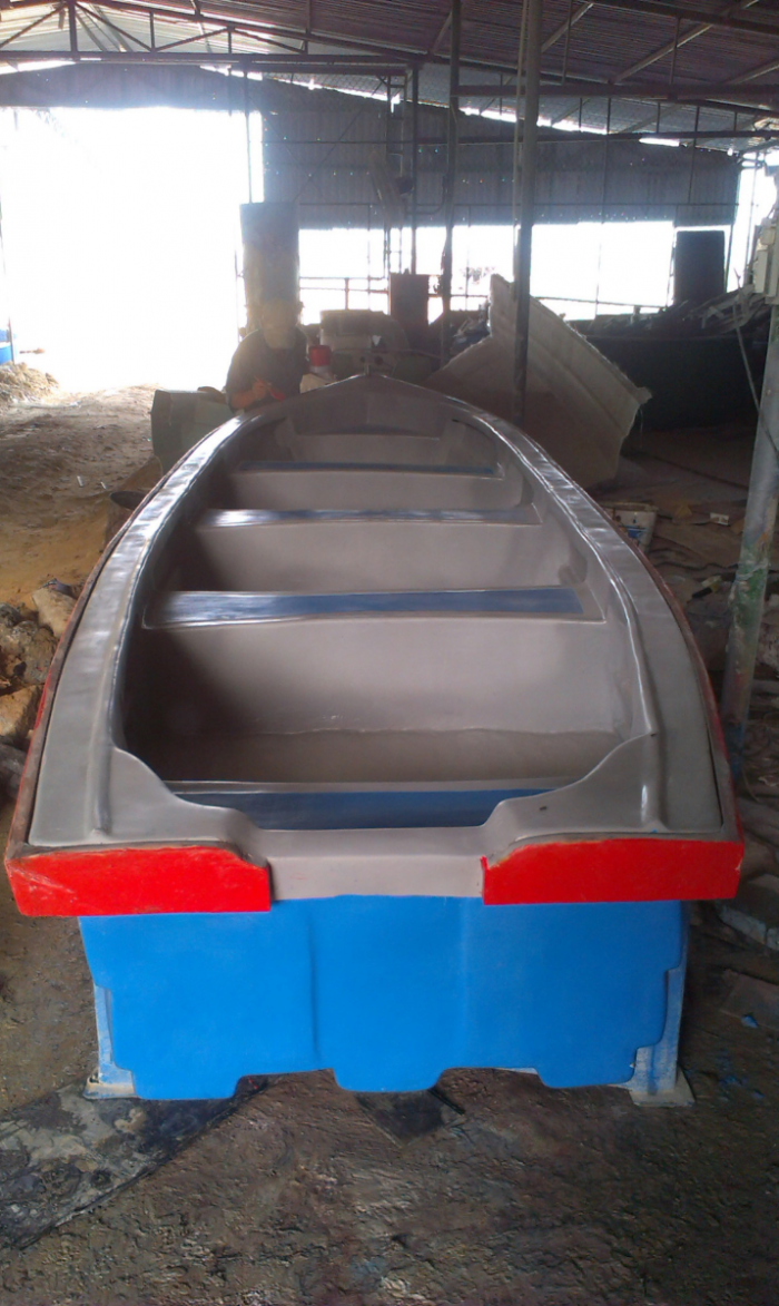 Thuyền composite 5m x 1,3m x 0,5m chở 8 - 10 người