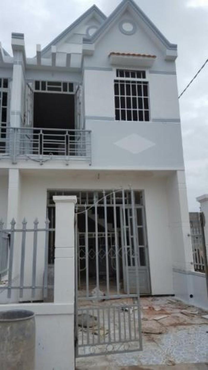 Nhà mặt tiền đường tập đoàn 2 DT 5.7x21m sổ hồng riêng