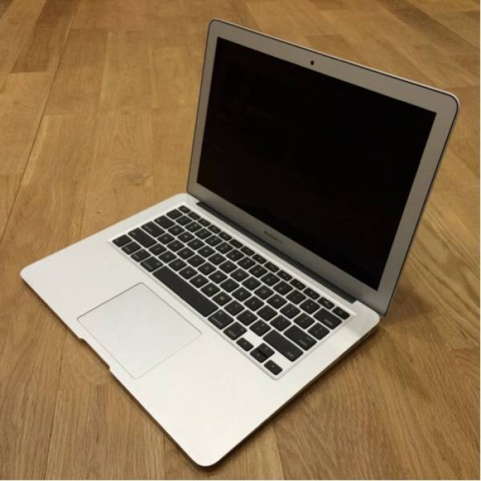 Macbook air 2011, 13.3in, i5, 99%, zin100%, giá rẻ