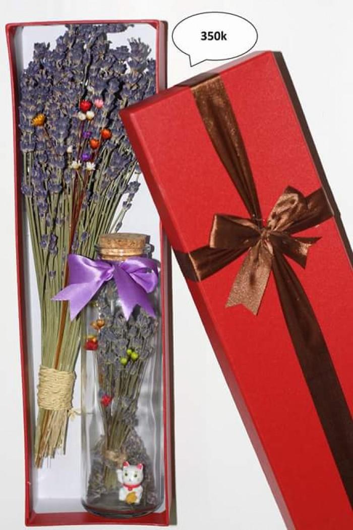 Combo 350k: 1 bó hoa+ 1 lọ thủy tinh ướp hoa+ 1 hộp sang trọng.1