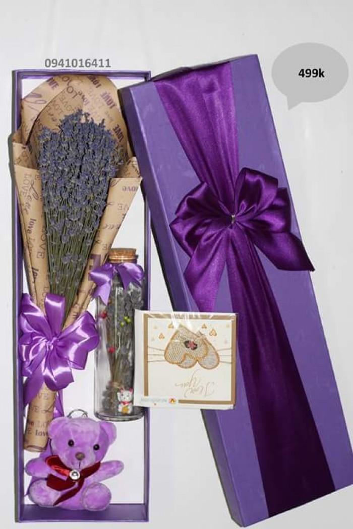 Combo 499k: 1 bó hoa+ 1 lọ thủy tinh ướp hương+ 1 thiệp+ 1 gấu bông+ 1 hộp tím2