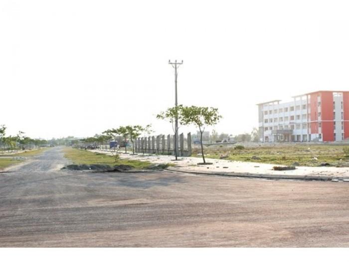 Cần tiền bán 5 lô gần trường Đông Á diện tích 250m2 giá 3 triệu m2 .