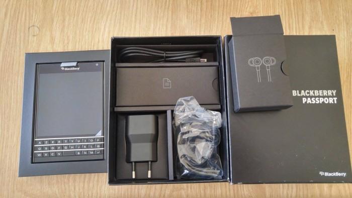Blackberry PassPort Nhập Pháp- Mới Tinh 100% FullBox nguyên tem 7 màu0