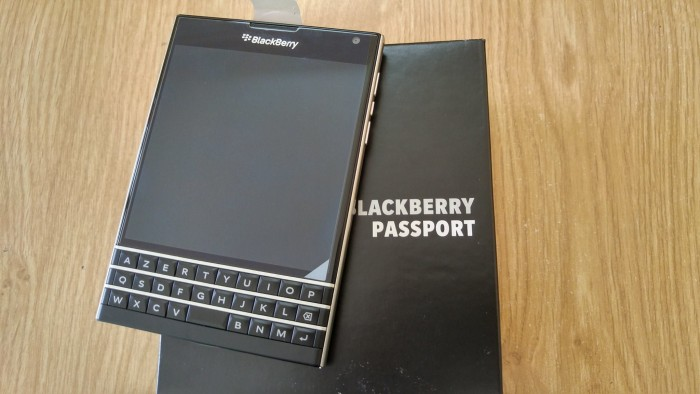 Blackberry PassPort Nhập Pháp- Mới Tinh 100% FullBox nguyên tem 7 màu2