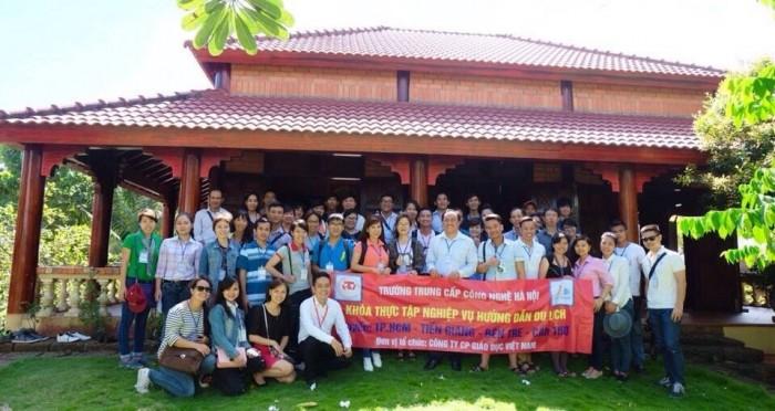 Đào tạo lớp nghiệp vụ hướng dẫn viên du lịch
