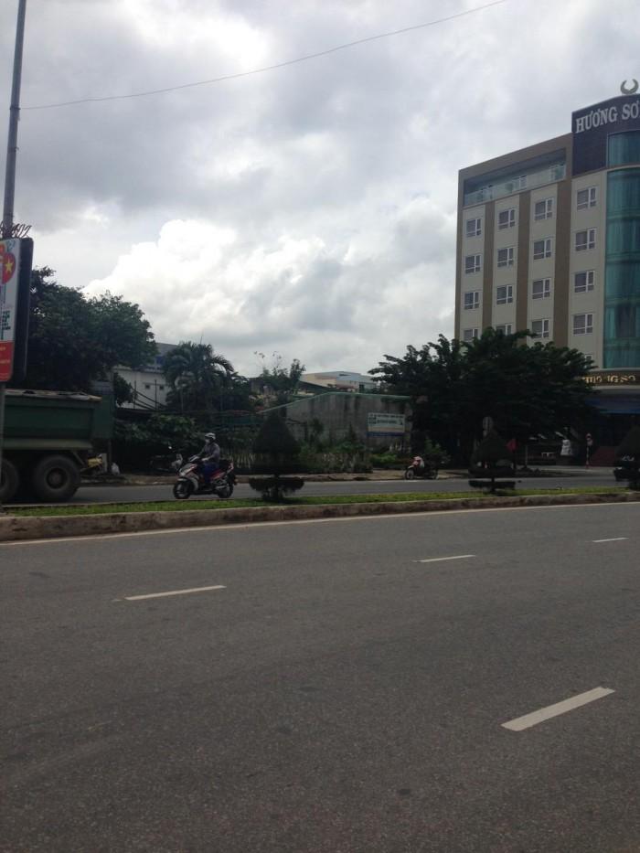 Bán 3 lô đất liền kề mặt tiền đường Cách Mạng Tháng 8, gần khách sạn Hương Sơn