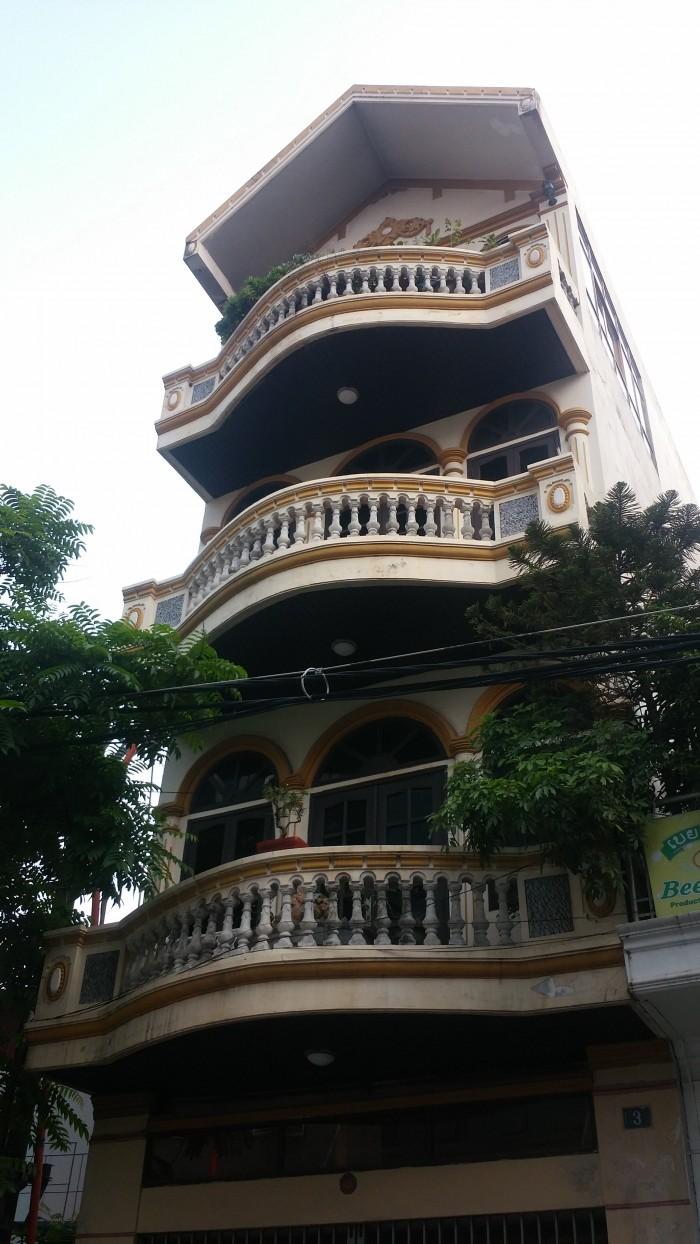 Bán Nhà Bạch Mai 52m2, 4 tầng, oto dỗ cửa, kinh doanh tốt, Giá 5.99 tỷ.