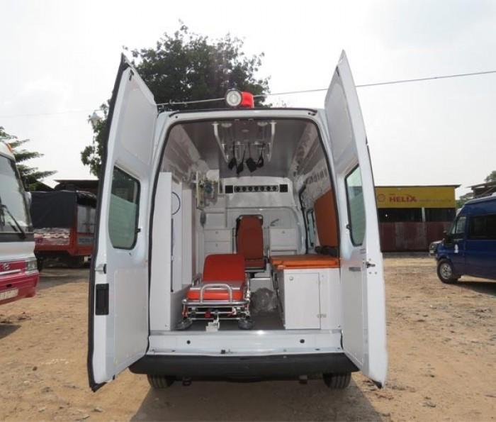 Transit cứu thương nhập khẩu, trang bị đầy đủ máy móc, nhập từ Thổ Nhĩ Kì 1