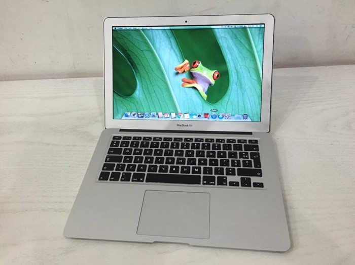 MacBook Air MC965 | RAM : 4 GB
